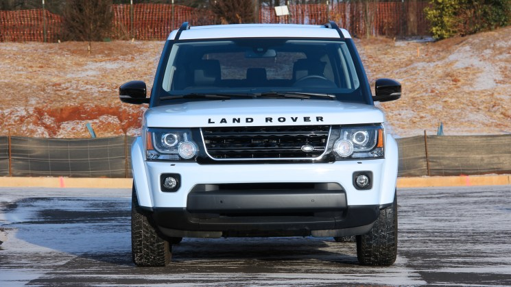 2016-Landrover-LR4-review-Evan-Yates-front