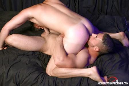 muscle-rimming-men