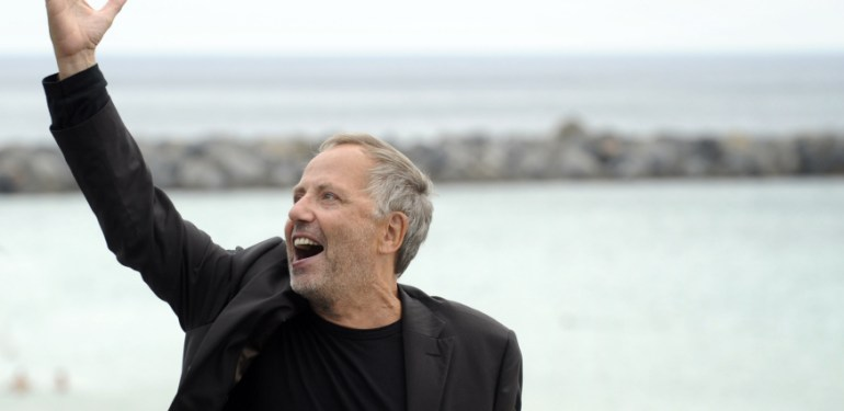 "French actor Fabrice Luchini poses after the screening of his film ""Dans la Maison"", during the 60th San Sebastian International Film Festival, on September 23, 2012, in the northern Spanish Basque city of San Sebastian.  AFP PHOTO/ RAFA RIVAS / AFP PHOTO / RAFA RIVAS"