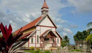 indonesie-eglise-2280x1524