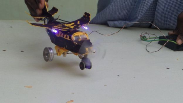 Toys For 13 Years Olds : Somalia s year old inventor makes electronic toys from