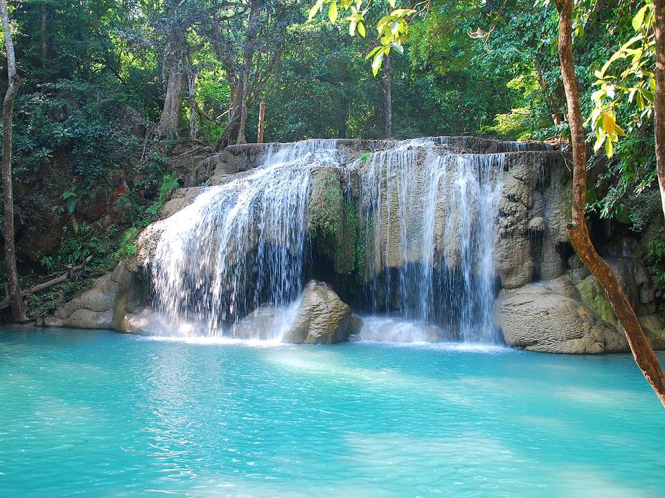 Kuang Si Falls Hd Wallpaper Il Parco Delle Meraviglie 232 Un Luogo Davvero Mozzafiato