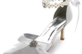 تجهيزات العروس صنادل فستان الزفاف
