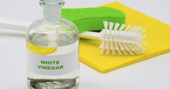 الخل الأبيض هو سحر التنظيف في المنزل