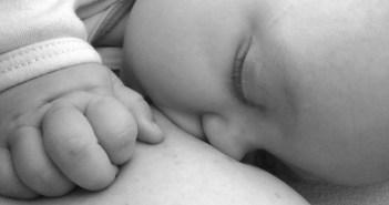 الرضاعة الطبيعية للتخلص من السيلوليت