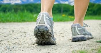 فوائد المشي لمدة ٣٠ دقيقة يومياً