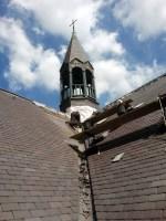 De zuidgevel is nagenoeg af; op naar de voor- en achterzijde van de kerk!