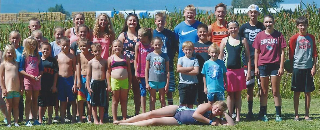 Group of Kids in bathing suits after Kids' Triathlon