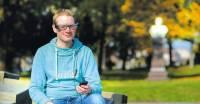 Ein besondere Brille hilft Schlaganfall-Patienten ...