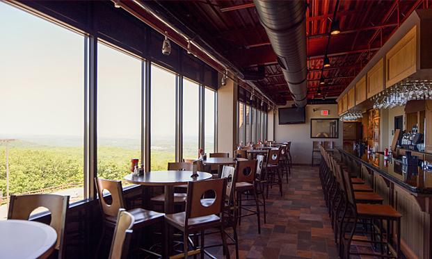 Roadies Restaurant and Bar