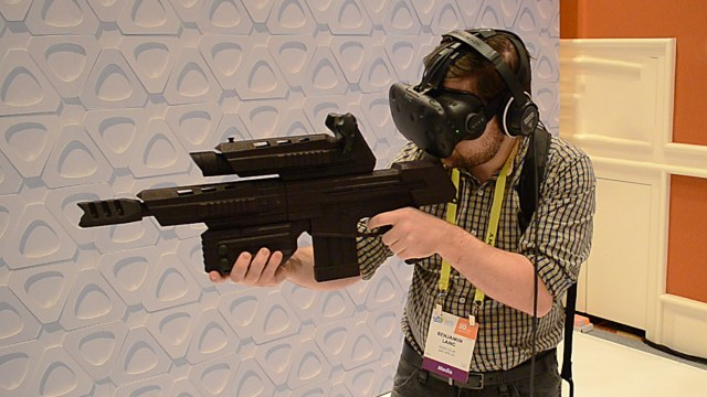 vive-tracker-and-accessories-15
