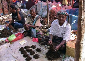 Tobacco sellers at a local market near Kefa, West Timor