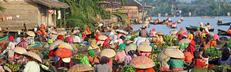 Lok Baintan floating market on the Martapura River, Banjarmasin, South Kalimantan