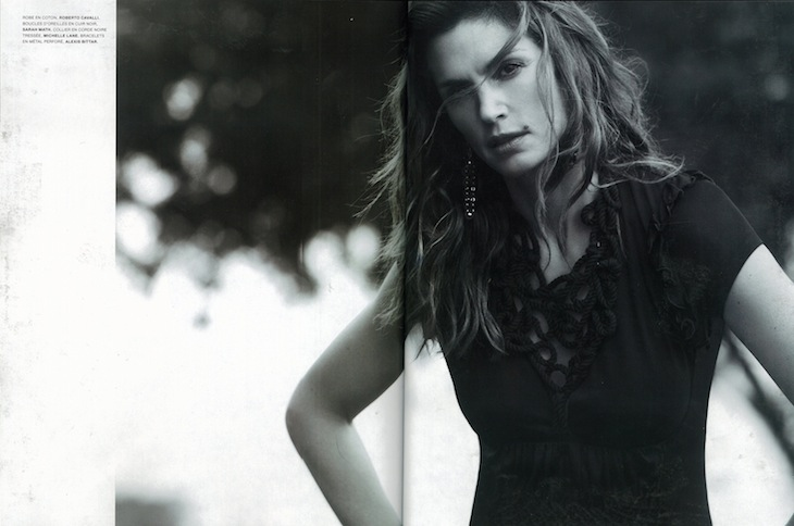 LOfficiel France 04-2010 - Cindy Crawford in Roberto Cavalli