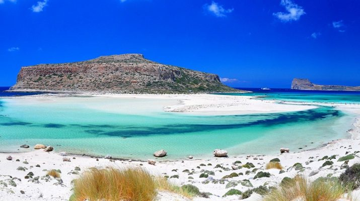 holidays-in-greece-in-july