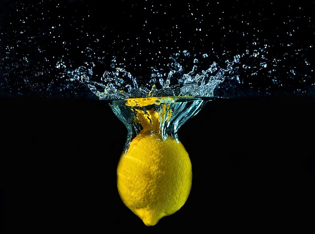 Health Benefits Of Drinking Lemon Water (1)