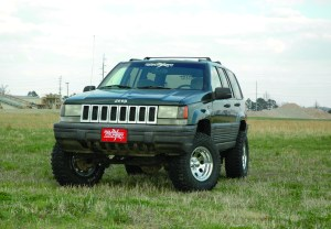 "2010 12 RoughCountryJeepZJ4 3 300x208 Rough Country's New 4"" Jeep ZJ Kit Offers More Parts for Less"