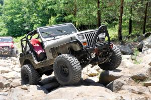 YJ rocks 300x199 Rough Country 4 N2 Series Suspension Lift for Jeep YJ