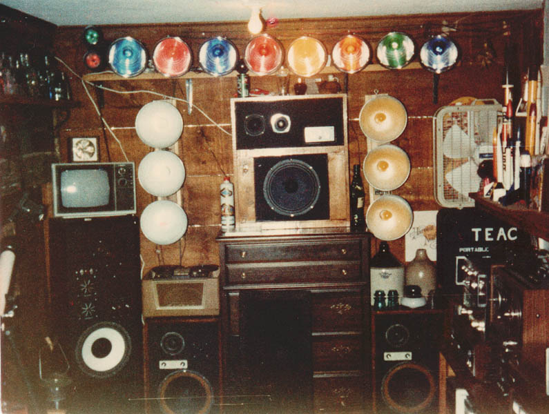 A 197039s Teenager39s Bedroom Vintage Stereo Equipment