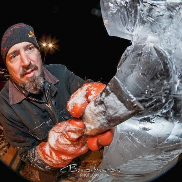 Wing give a live ice carving demo