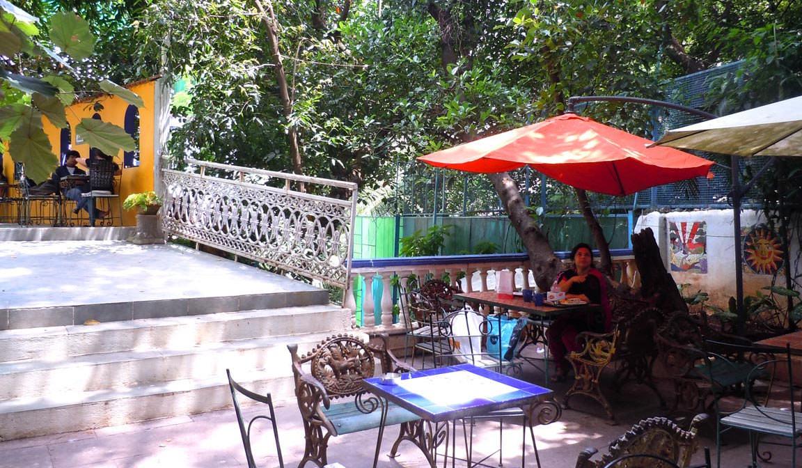 Candies Restaurants in bandra