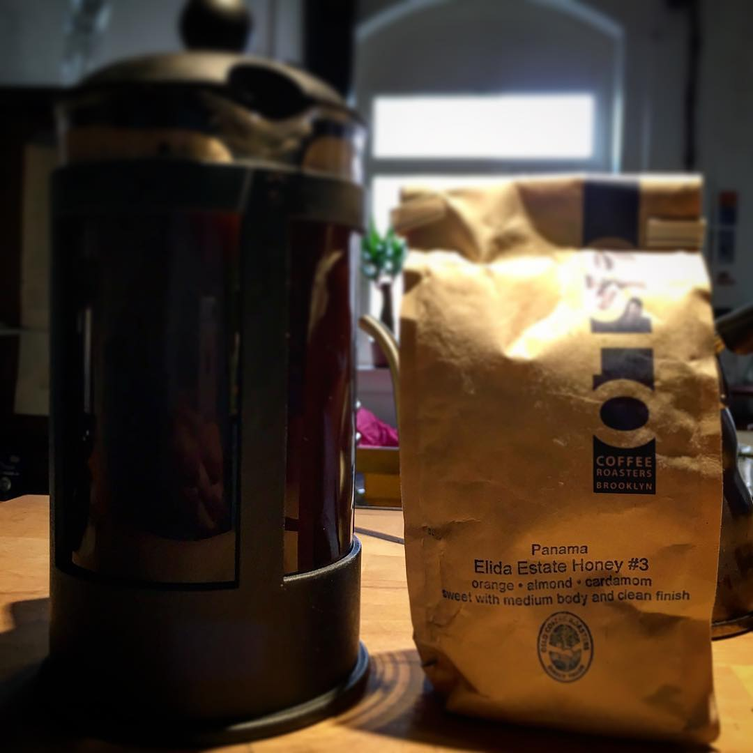 Don't underestimate the good ol French press! Lovely @oslocoffee #brooklyn in the cup! #williamsburg represent! ;) #brooklynzoo #coffeelove #Düsseldorf #germany