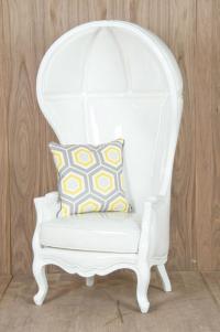 Restaurant Reservation: Balloon Chair