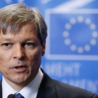 Ce riscă Dacian Cioloș dacă intră acum în PNL