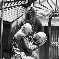 Star Wars Behind the Scenes - Irvin Kershner with Chewbacca and C-3PO head