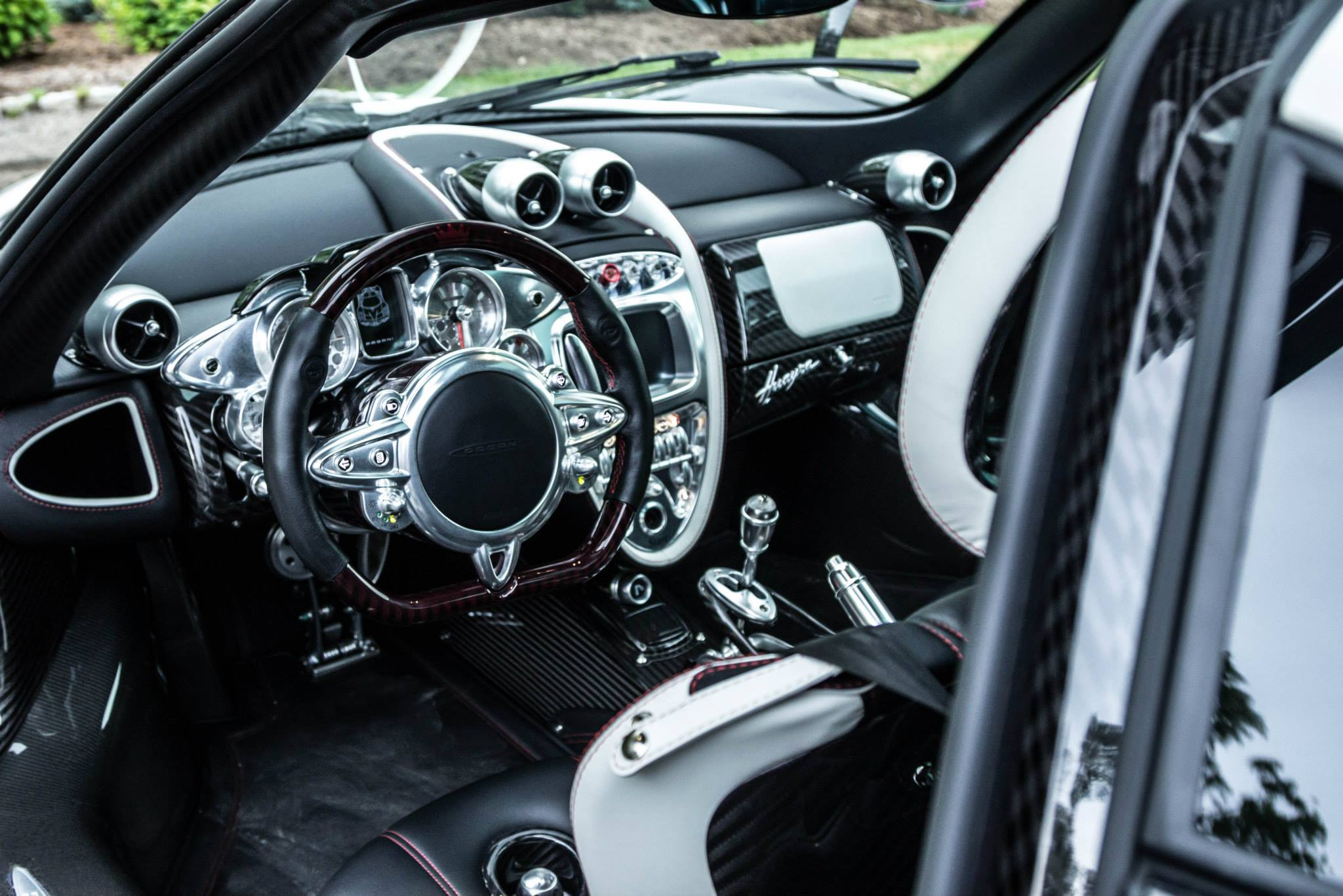 Car Wallpapers Nissan Gtr Quot 1 Of 1 Of 1 Quot Pagani Huayra Interior Photo Size 2048 X
