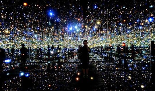 Yayoi Kusama Infinity Room | www.rtwgirl.com