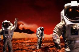 Three astronauts on Mars