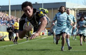 Francois Louw is staying in Bath until 2019