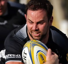 Micky Young in action for Newcastle Falcons