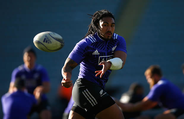 Ma a Nonu wins his 100th cap for New Zealand