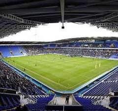 London Irish host Worcester Warriors at the Madejski Stadium
