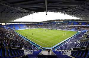 London Irish host Worcester Warriors at the Madejski Stadium