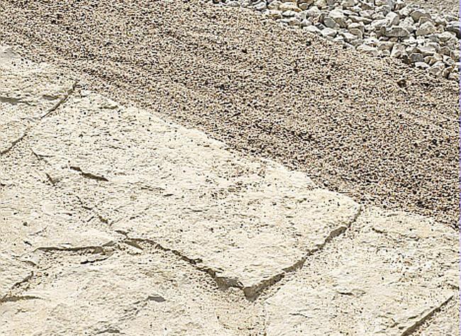 Comment bien installer une terrasse en dalles ? - Pose Dallage Exterieur Sur Lit De Sable