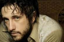 Will Hoge – Never Give In