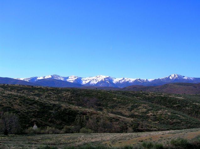 Montes Aquilianos desde la carretera que sube a El Acebo