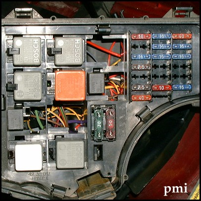 File900 9-3 Engine Bay Relays 3jpg - The Saab Tech Wiki