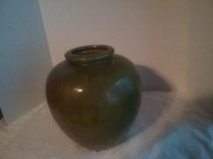 A flower planter pot