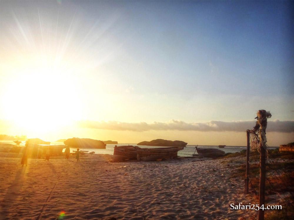 Watamu beach_fishing boats