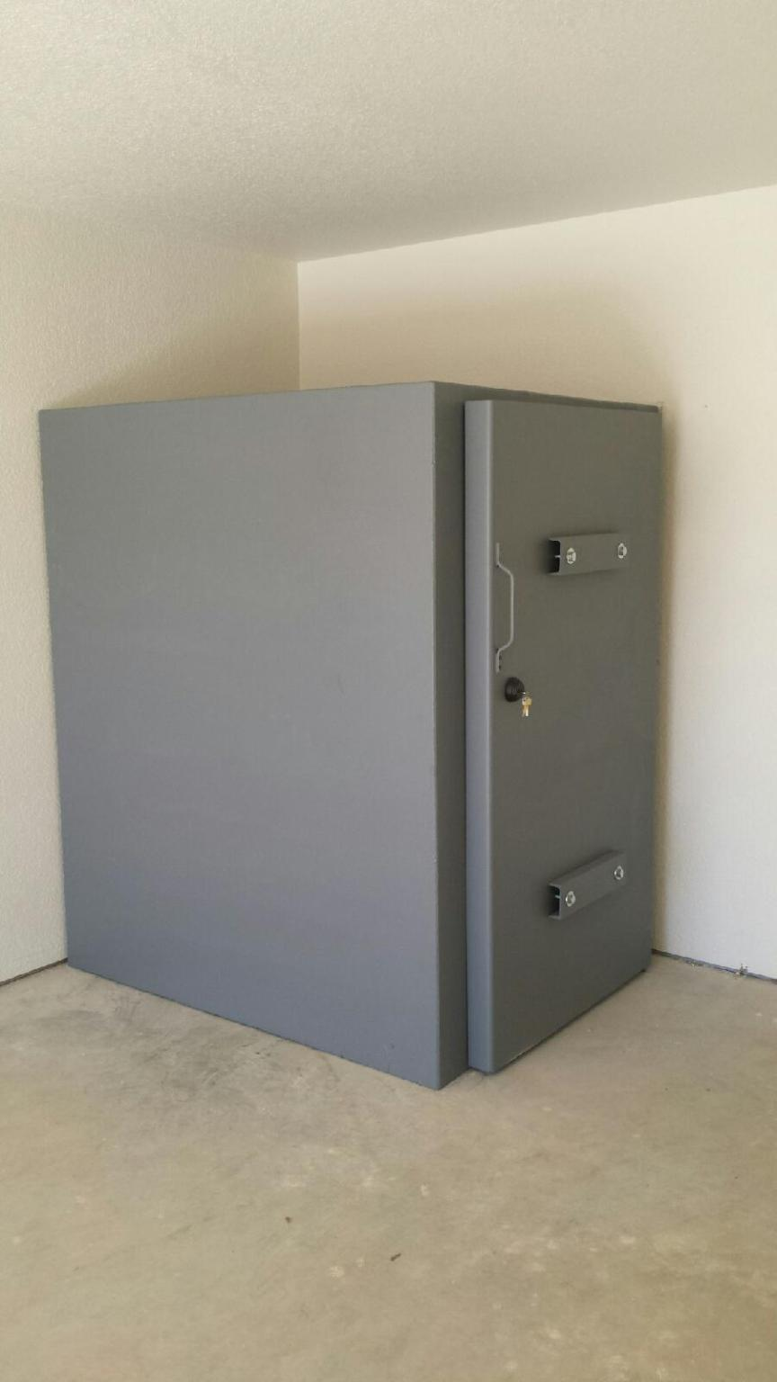 Steel safe room photo gallery they are custom built for Built in safe room