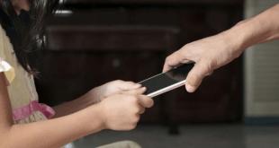 Παιδί και εθισμός στο κινητό τηλέφωνο : Τι μπορεί να κάνει ο γονέας