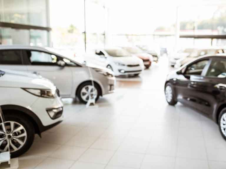 Should you buy or lease a car? - Saga