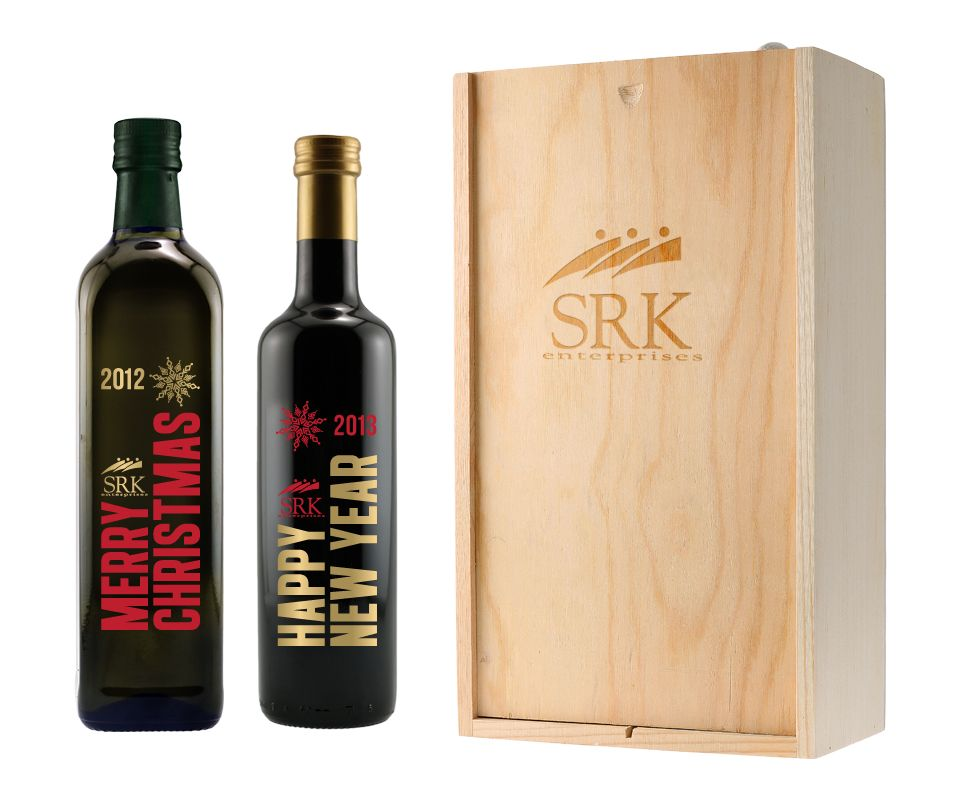 Gourmet food is a guaranteed hit, and this combination vinegar and olive oil set is a tasteful gift. Deep-etched bottles and a laser engraved box customize the presentation.