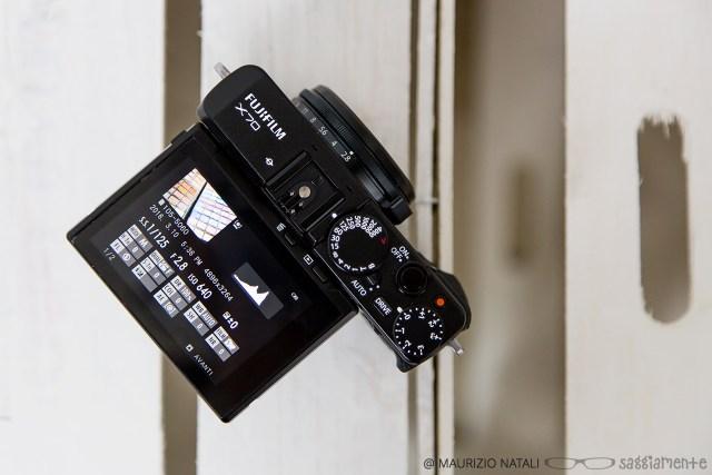 fujifilm-x70-display-top