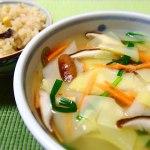 ヒラヒラ×ひらひら(シュウマイ皮とタケノコ姫皮スープ)