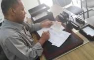 إدارة البنك المركزي بساحل حضرموت تشكل لجنة خاصة لضبظ التلاعب في البيع والشراء بالعملات الأجنبية